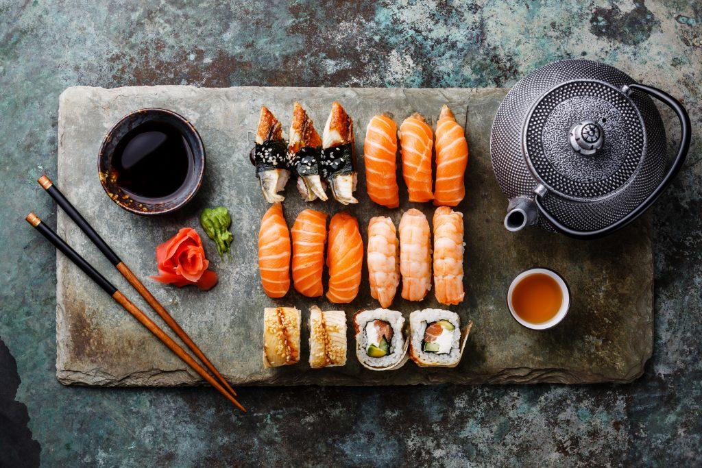 victordelreyperez.com-private chef-london-sushi paltter